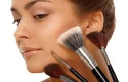 رژگونه زدن و زیرسازی آرایش برای صورت های بیضی
